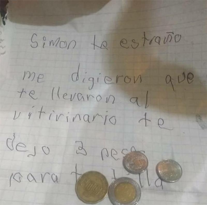 Niño escribe cartas reciente