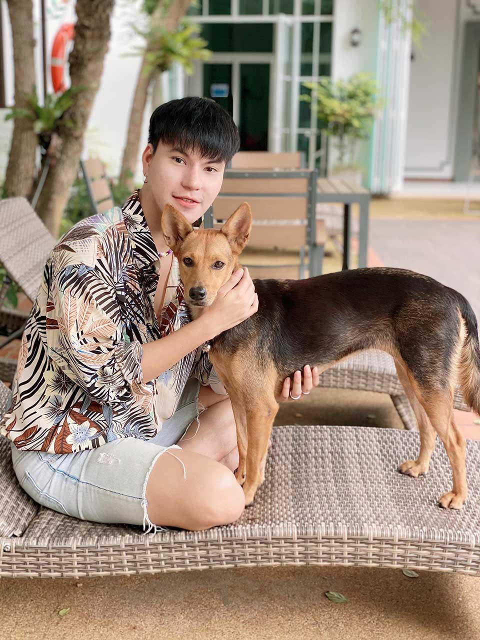 Chico con resaca rescata un perro